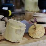 Visite de l'atelier d'un tourneur sur bois