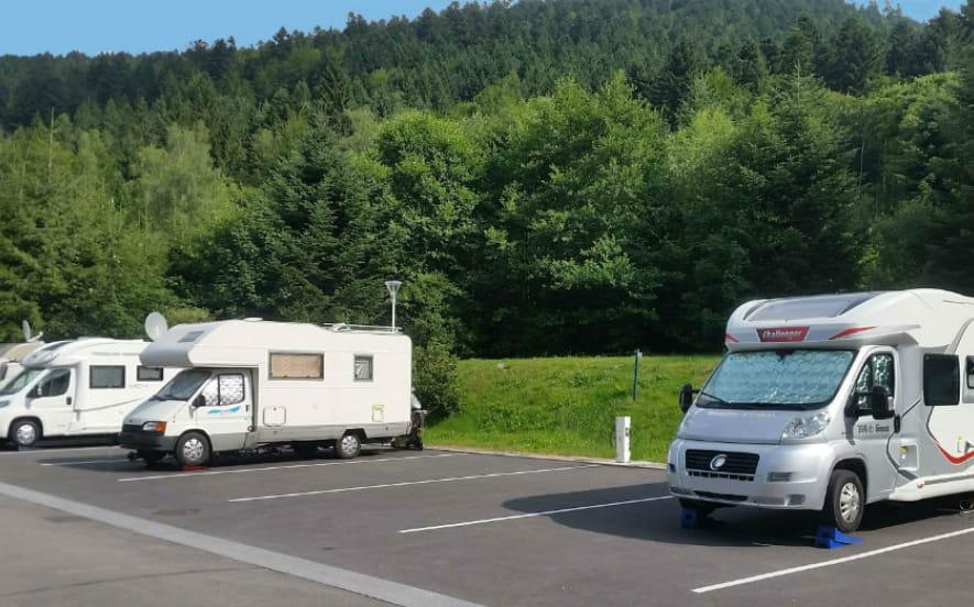 AIRE DE STATIONNEMENT POUR CAMPING-CARS DU DOMAINE DU HAUT DES BLUCHES